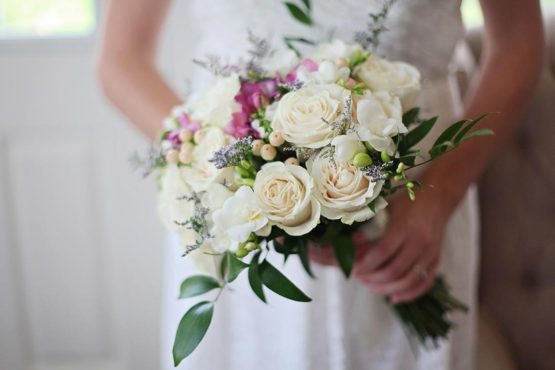 راهنمای خرید لیست لوازم آرایشی و بهداشتی عروس و داماد