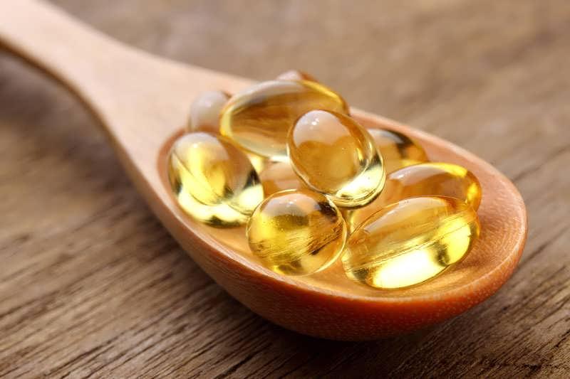 ویتامین ای برای درمان ریزش ابرو و مژه