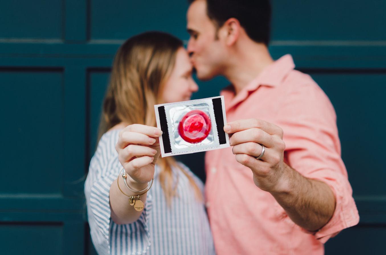 آیا استفاده از کاندوم در بارداری ضرر دارد؟