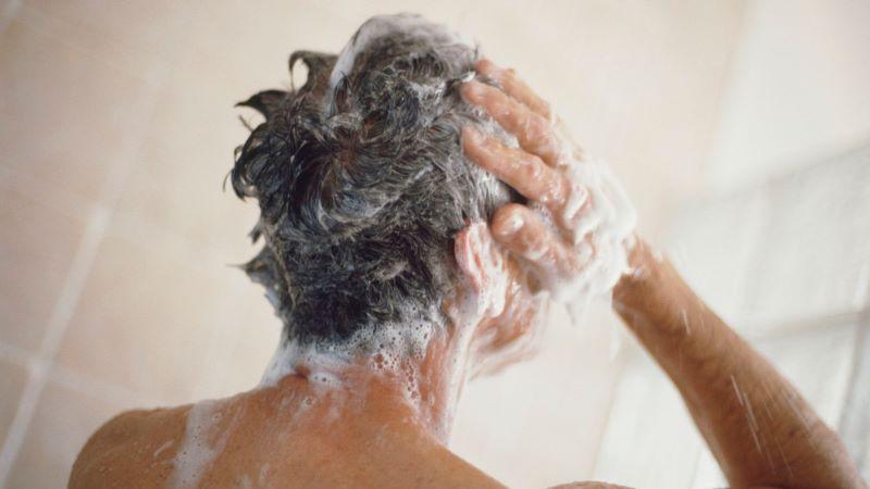 حمام کردن علت وزی موی سر