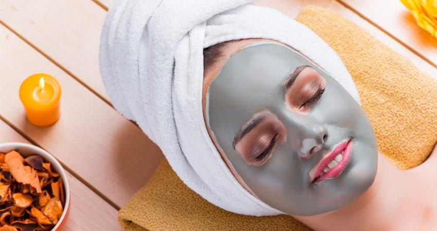 ماسک صورت برای پاکسازی صورت در خانه
