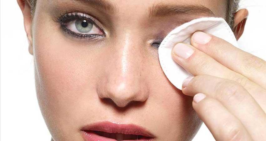 پاک کردن آرایش با روغن جوجوبا