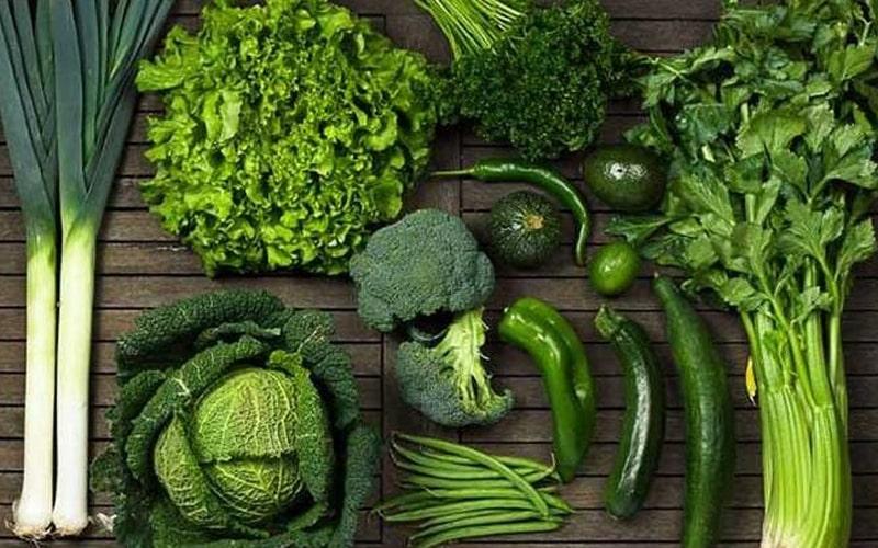 فواید سبزیجات برای لکه سفید روی ناخن