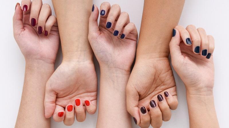 ته رنگ پوست برای انتخاب رژ