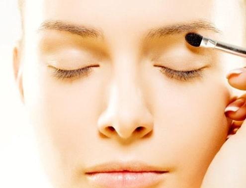سایه چشم از مهمترین مراحل آرایش چشم مرحله به مرحله