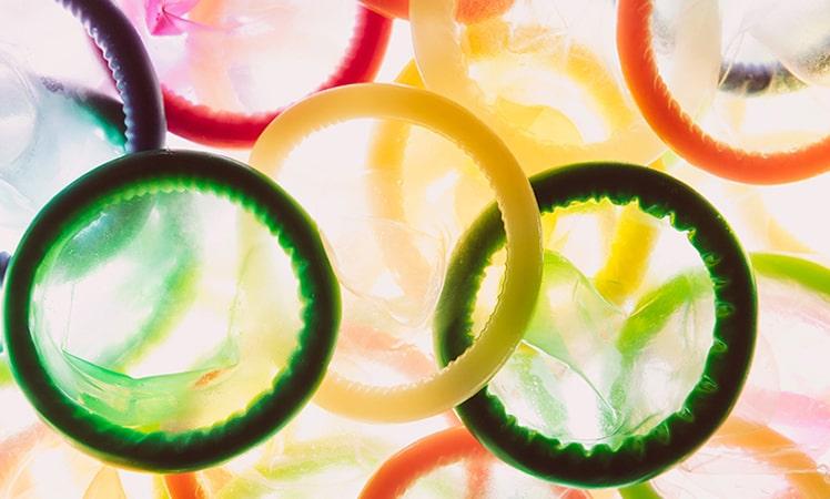 کاندوم یکی از درمان های رایج برای برخی از مشکلات جنسی