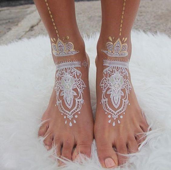 طراحی حنا روی پا