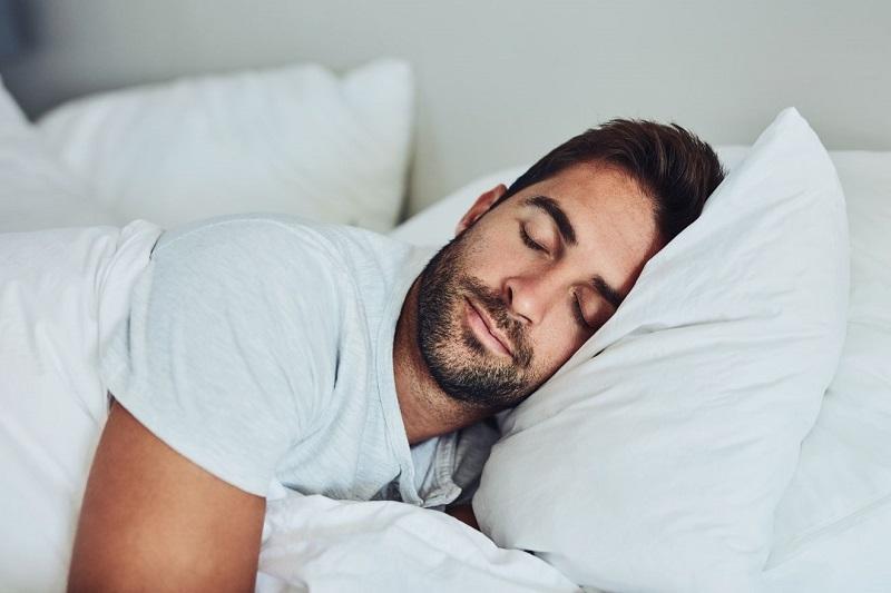 کمبود خواب باعث سیاهی زیر چشم