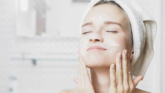 مزایای شیرپاک کن در پاکسازی صورت