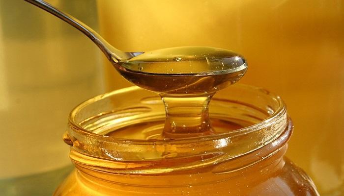 عسل برای مراقبت از پوست چرب