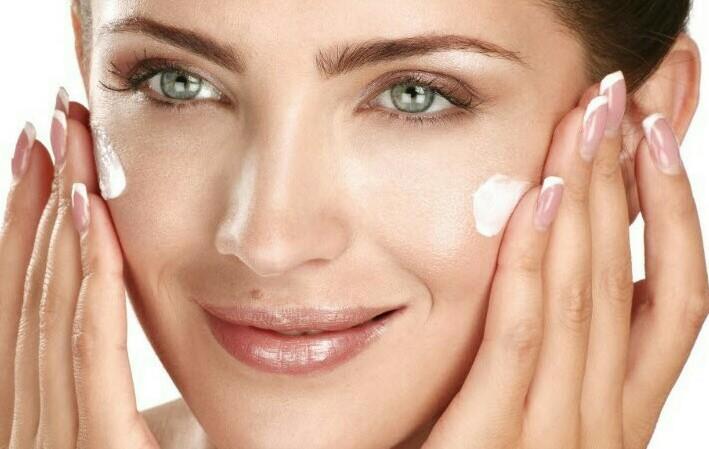اهمیت ضد آفتاب برای مراقبت از پوست در فصل پاییز