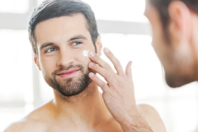 اهمیت استفاده از کرم ضد آفتاب برای مردان