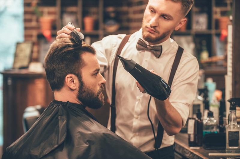خشک کردن مو آقایان با سشوار