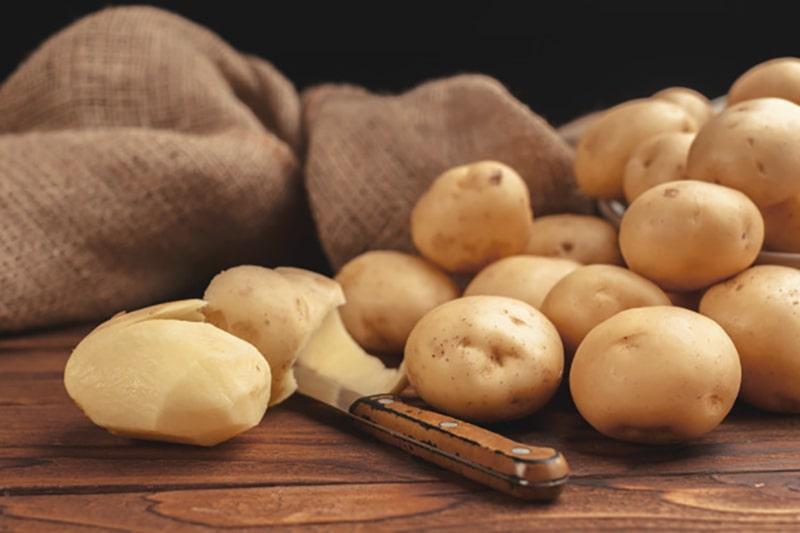 ماسک خانگی سیب زمینی برای مراقبت از پوست خشک