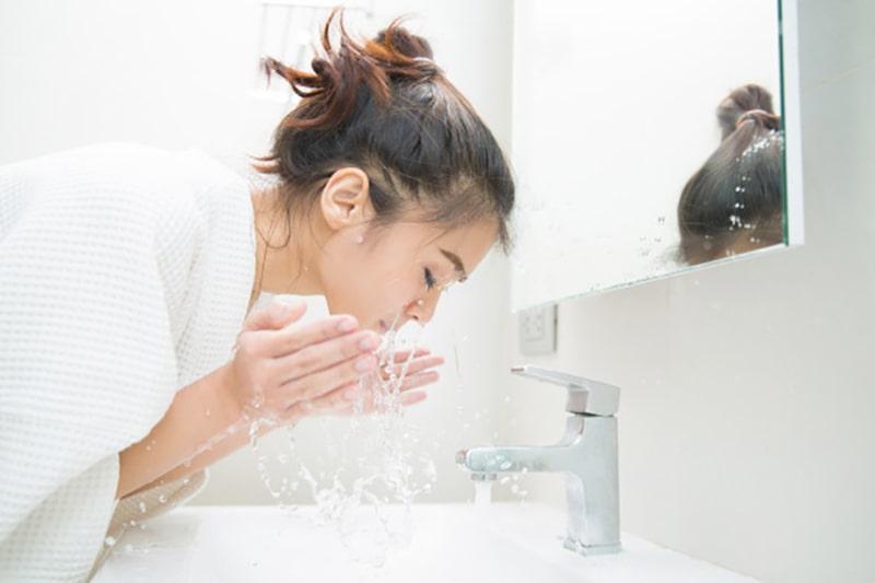 روش صحیح شستشوی صورت