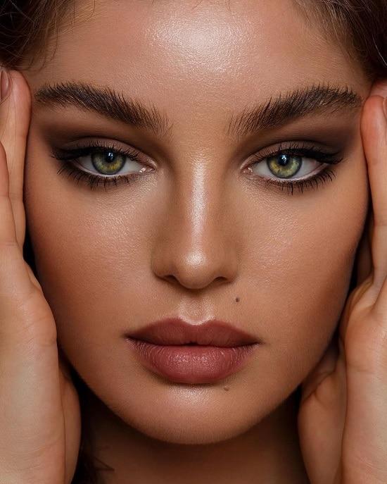 سایه چشم برای پوست سبزه