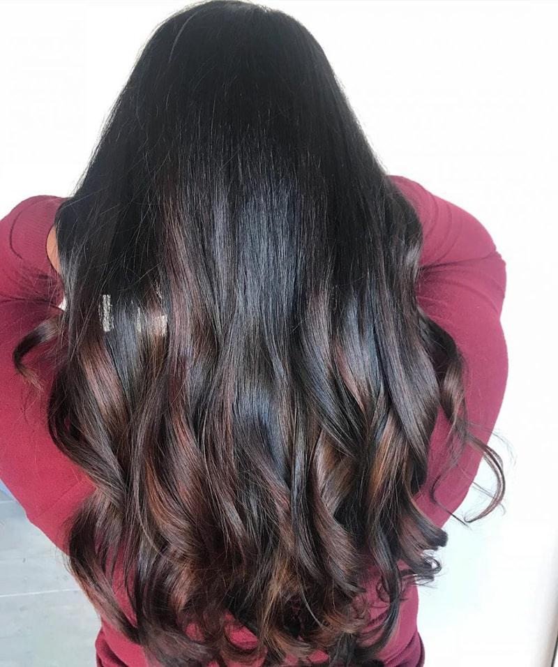 رنگ موی سیاه با رگه های قهوه ای