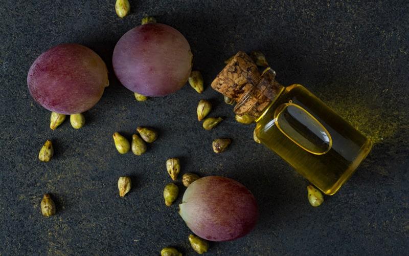 روغن دانه انگور برای محافظت از مو