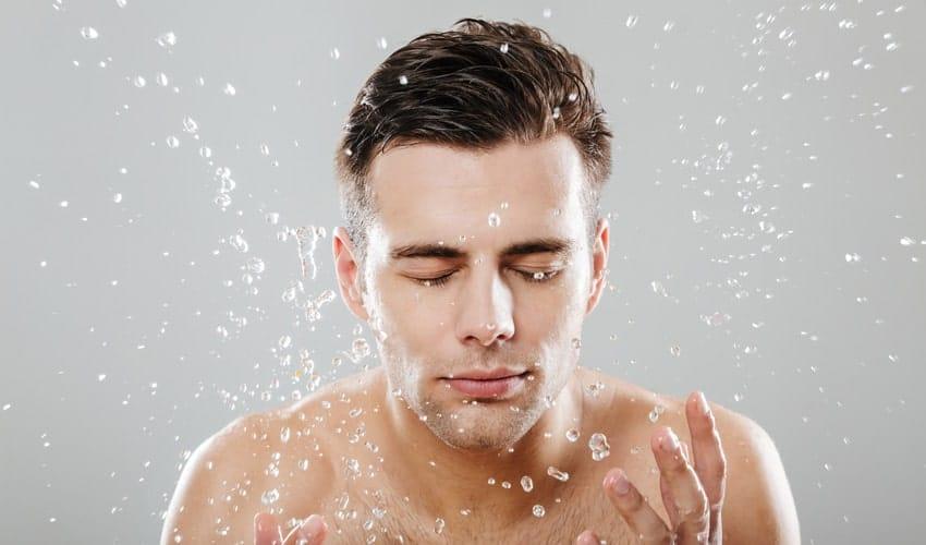 مراقبت از پوست آقایان با شوینده