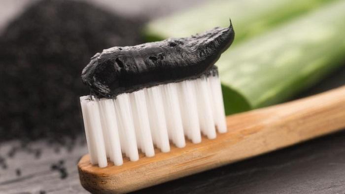 پودر زغال و نمک برای دندان