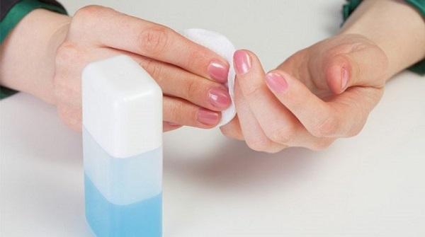 لاک پاک کن برای از بین بردن رنگ
