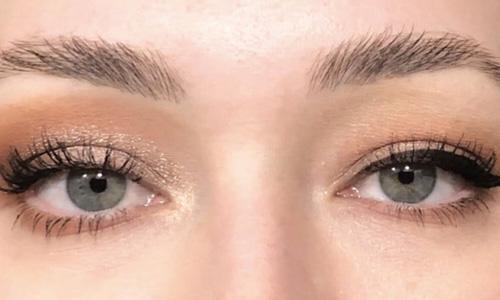 آرایش چشم با پلک افتاده