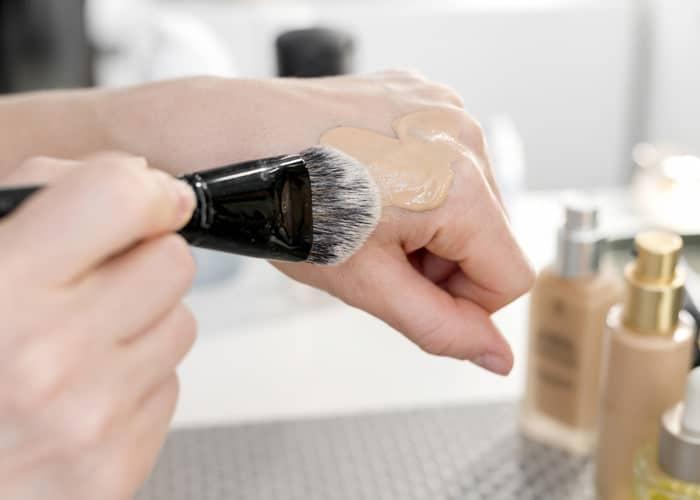کرم پودر پایه در آموزش آرایش صورت