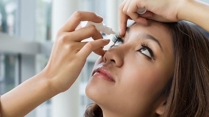 قطره بری درمان حساسیت چشم