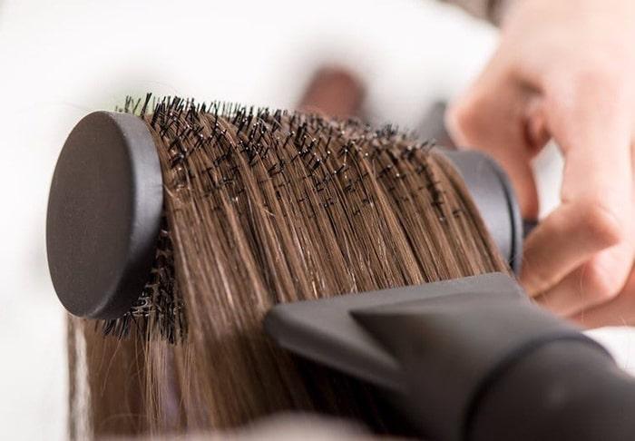 حالت دادن جلوی مو با سشوار