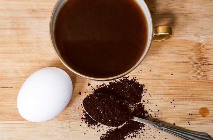 تخم مرغ و قهوه