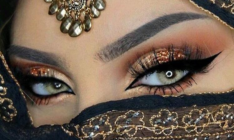 آرایش چشم عربی با چشم رنگی