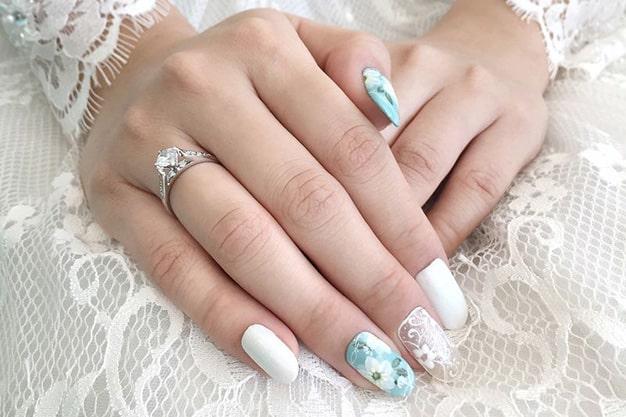 رنگ آبی برای لاک عروس