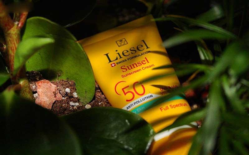 لایسل اسم یک ضد آفتاب برای پوست خشک